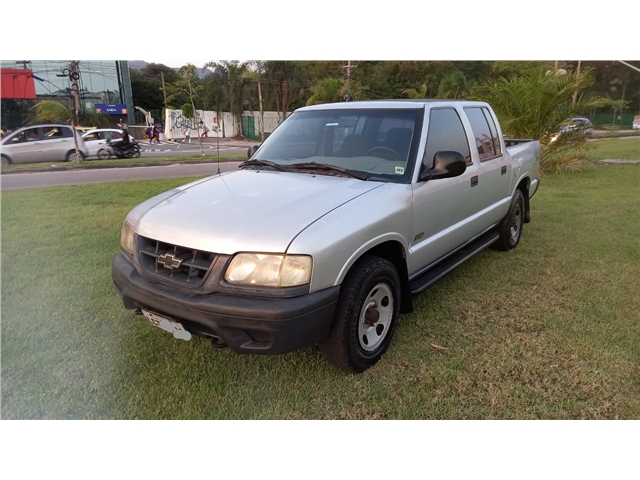 CHEVROLET S10 2.5 STD 4X4 CD 8V TURBO DIESEL 4P MANUAL